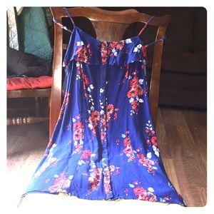 Peek-a-boo shoulder summer dress